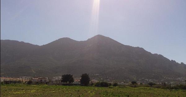 Mount Selvili ברכס הרי קירניה (הרי חמשת האצבעות)