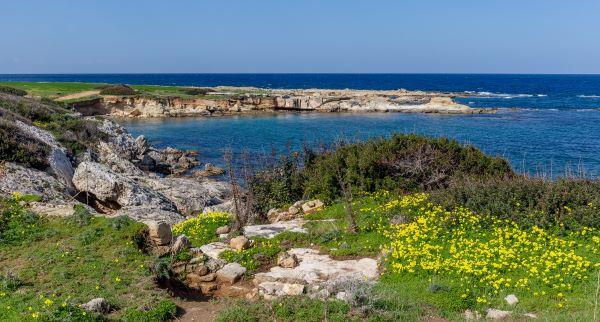 חוף בחצי האי קרפאז