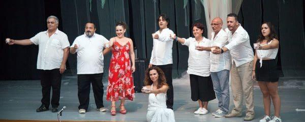 משתתפים במופע תיאטרון במסגרת ימי תרבות ואמנות בניקוסיה