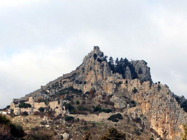 מצודת Saint Hilarion בקירניה