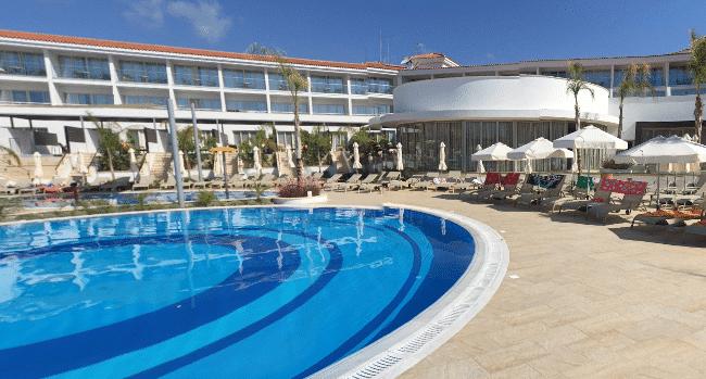מלון ריזורט אולימפיק לגון פאפוס - Olympic Lagoon Resort Paphos