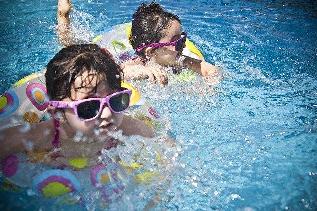 ילדים-בפארק-המים