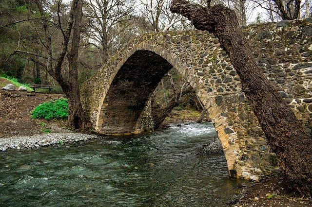 גשר אבן טיפוסי