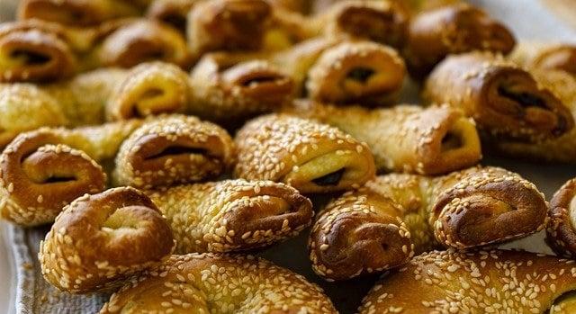 בורקס גבינה קפריסאי - Bourekia me Anari