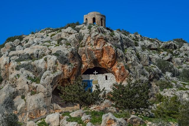 כנסיית Agioi Saranta Cave איה נאפה