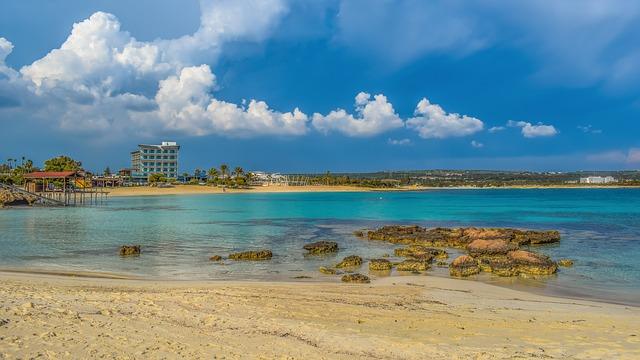 חוף מקרוניסוס