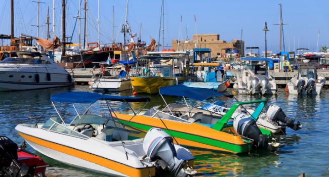 סירות בנמל פאפוס