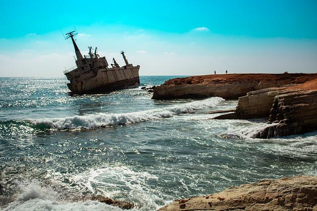 ספינה טבועה ליד פאפוס
