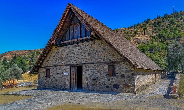 הכנסייה המצויירת הביזנטית Panagia tis Podithou בכפר גלאטה