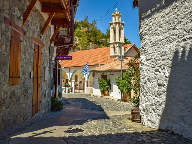 הכנסייה הראשית בקאלופאיינוטיס - Kalopanagiotis