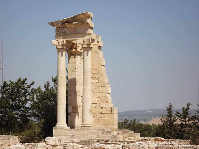 מקדש 4 העמודים
