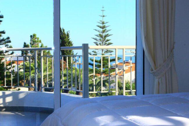 קורל בלו ביי וילה (Coral Blue Bay Villa) - מבט פנימה