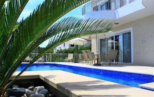 קורל בלו ביי וילה (Coral Blue Bay Villa)