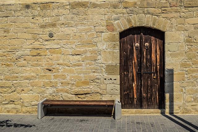 אחת הכניסות לטירת לימסול